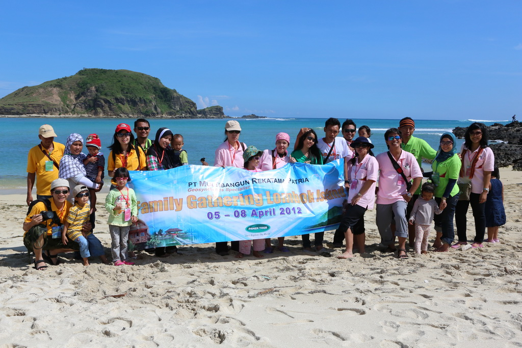 Family Gathering PT. MRP Tour Ke Lombok